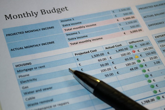 monthly bills 1484291402 4 Major Reasons You Don't Really Need to Hire a Financial Advisor